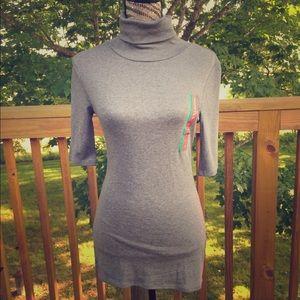 Short sleeve turtleneck gray